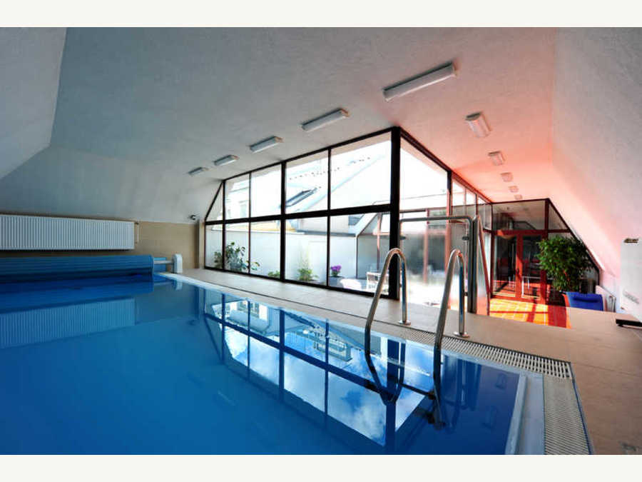Pool - Hotel Pension Alla Lenz